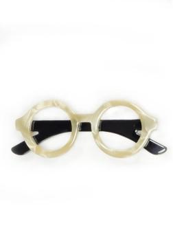 Broche con forma de gafas