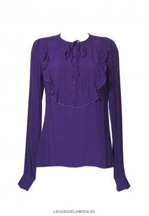 Blusa violeta con volante y cuello redondo