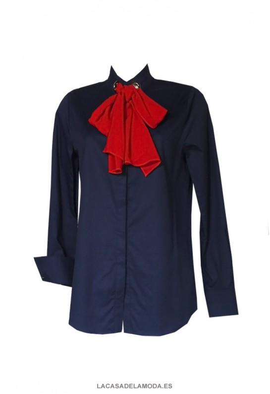 Camisa con lazada al cuello intercambiable