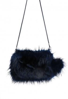 Bolso de pelo artificial azul y negro con pompón