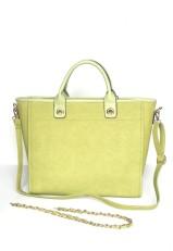 Bolso grande rígido verde y dorado.