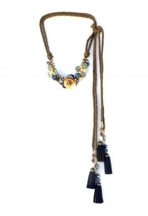 Cinturón cordón y collar con flores borla y cuerda