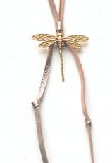 Colgante libélula dorada con nudos y cinta de piel dorado envejecido