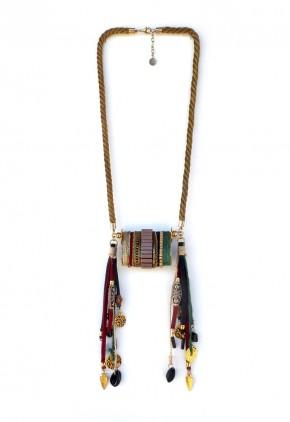 Collar étnico elegante cordón dorado envejecido y flecos