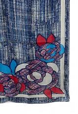 Pañuelo rojo y azul jaspeado con flor