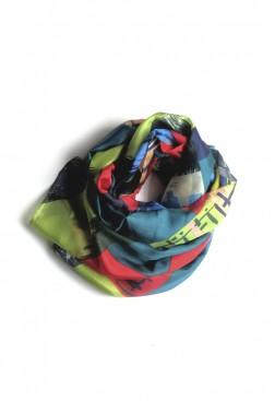 Pañuelo seda estampado geometrías verde Greenery y Kale
