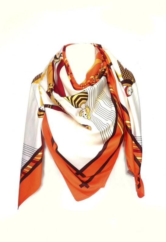 Pañuelo de seda mujer cuadrado.