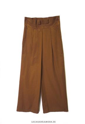 Pantalón ancho tobillero marrón toffee