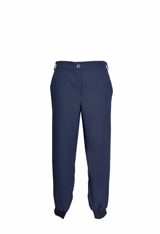 Pantalón azul marino con puño bolsillos y goma