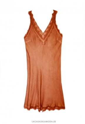 Combinación lencería teja de seda con encaje