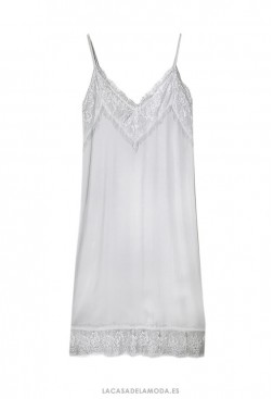 Combinación solución para vestido transparente