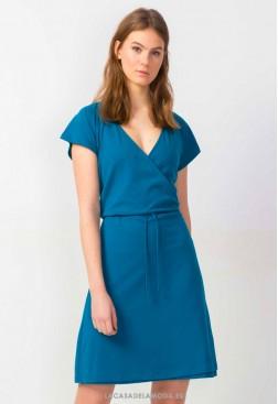 Vestido azul corto ajustado y con vuelo