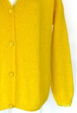 Chaqueta punto amarilla corta con botones