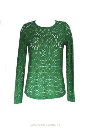 Top encaje verde elegante para look fiesta o boda
