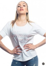 Camiseta blanca con frase de Clara Campoamor de algodón