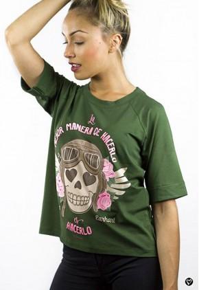 Camiseta con mensaje positivo y calavera