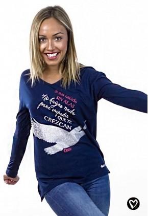 Camiseta con mensaje y dibujo para mujer de cuello pico